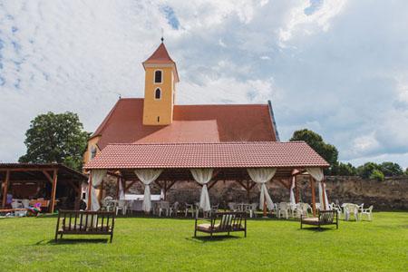 Svatby - levandulovo-fialová