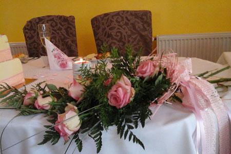 Svatby - romantická růžová