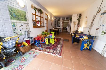8 - Hotel Černice - ubytování: - Vnitřní a venkovní prostory společné prostory