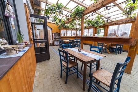 13 - Hotel Černice - ubytování: - Vnitřní a venkovní prostory společné prostory