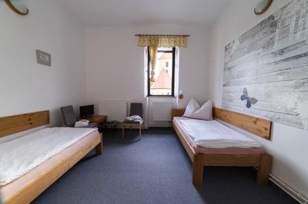43 - Hotel Černice - ubytování: - Dvojlůžkový pokoj (postele 1 + 1), 1. patro