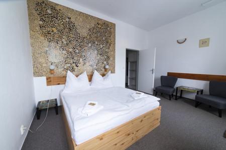 47 - Hotel Černice - ubytování: - Dvojlůžkový pokoj, 1. patro