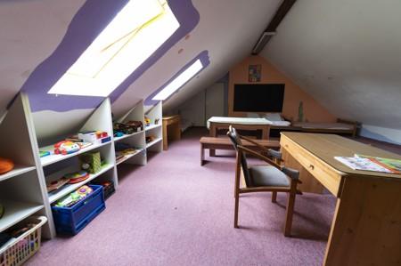 64 - Hotel Černice - ubytování: - Pokoj s hernou (poslele 2 + 1 + 4 v herně), 1. patro