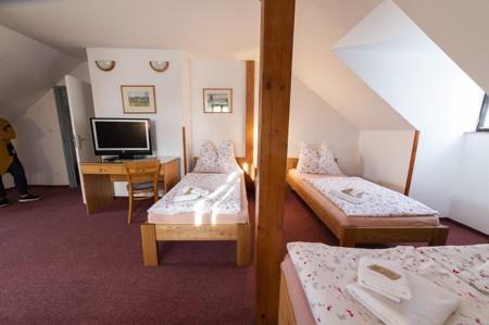 81 - Hotel Černice - ubytování: - Pokoje v 2. patře